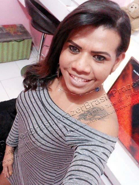 LohandraRiosTrans32 Lohandra Rios