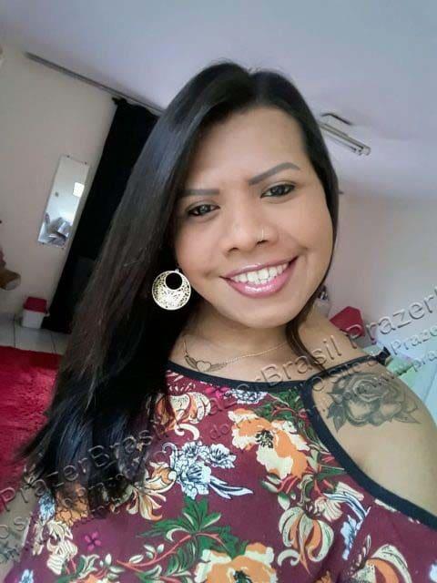 LohandraRiosTrans50 Lohandra Rios