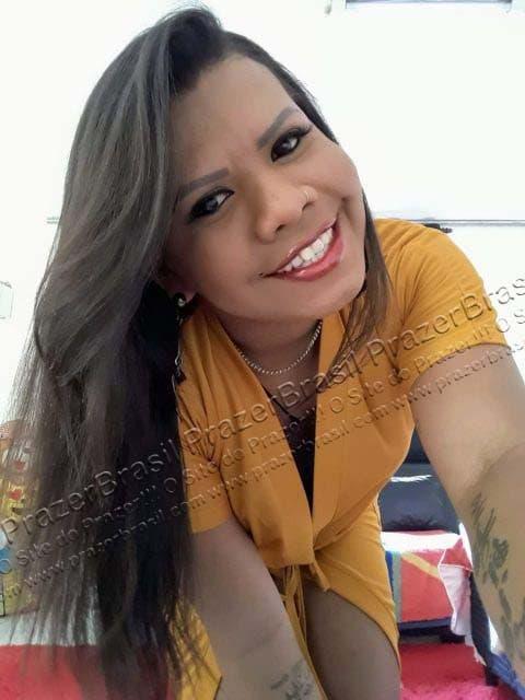LohandraRiosTrans64 Lohandra Rios