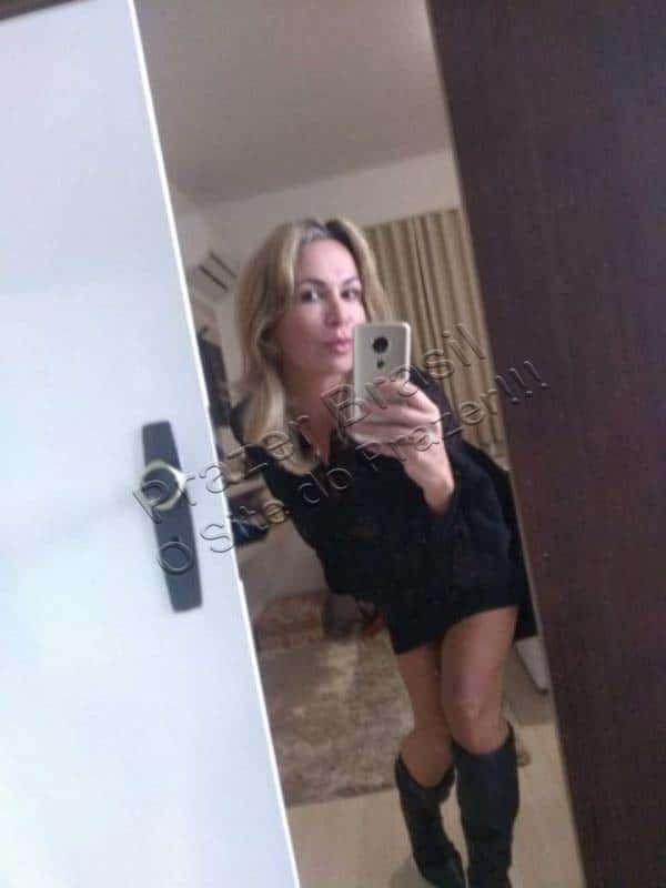 CamilleAndradeTrans7 Camille Andrade
