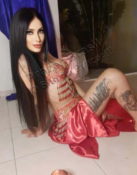 AyshaFernandez10 Aysha Fernandez
